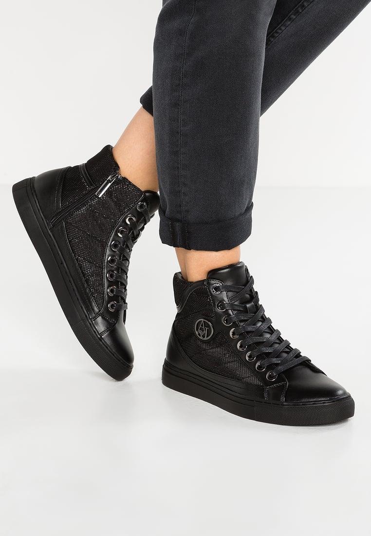 e349688b6b9db3 Soldes chaussure armani femme basket En Ligne Les Baskets chaussure armani  femme basket en vente outlet. Nouvelle Collection chaussure armani femme  basket ...